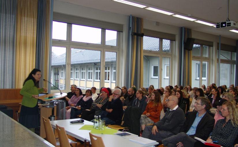 """""""Ohne Eltern läuft nix!"""" – Sozialpädagogischer Fortbildungstag am Berufskolleg AHS"""