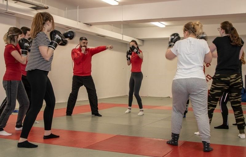 Mit Boxhandschuhen gegen Gewalt